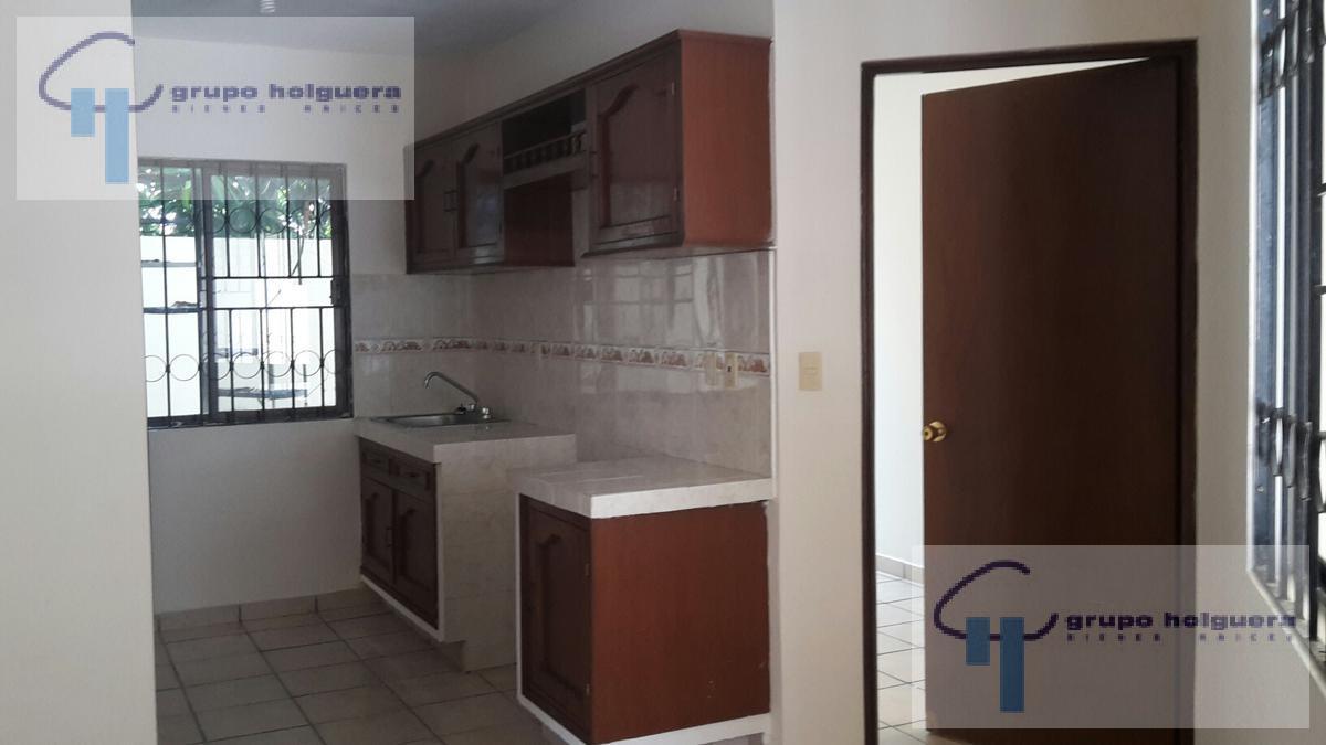 Foto Casa en condominio en Renta en  Guadalupe,  Tampico  CR-277 CASA EN RENTA CALLE DURANGO  COL. GUADALUPE