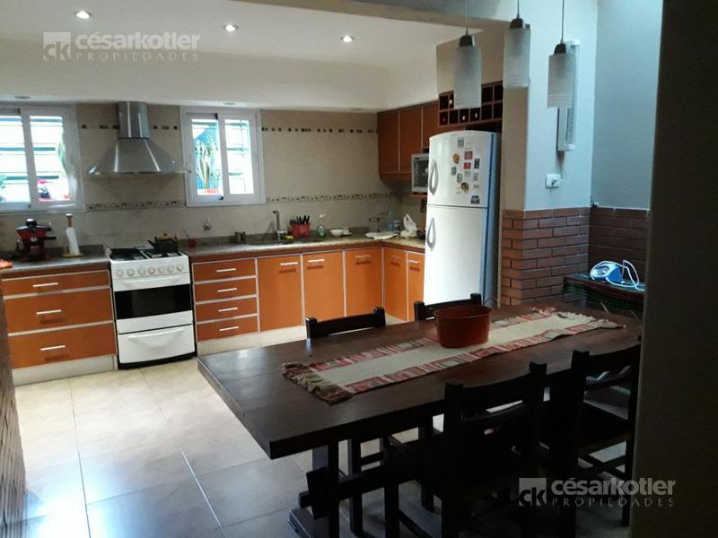 Foto Casa en Venta en  Jose Marmol,  Almirante Brown  Frías 2278