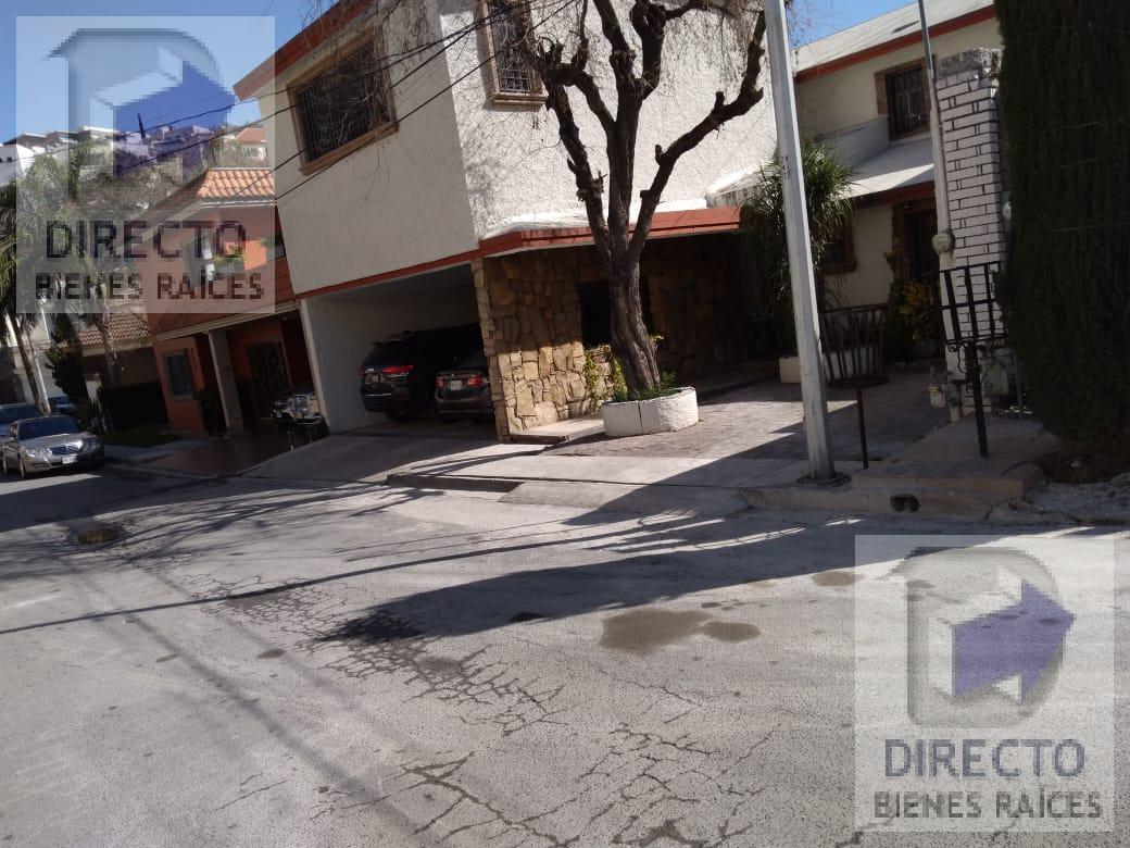 Foto Casa en Venta en  San Pedro Garza Garcia ,  Nuevo León  COLORINES