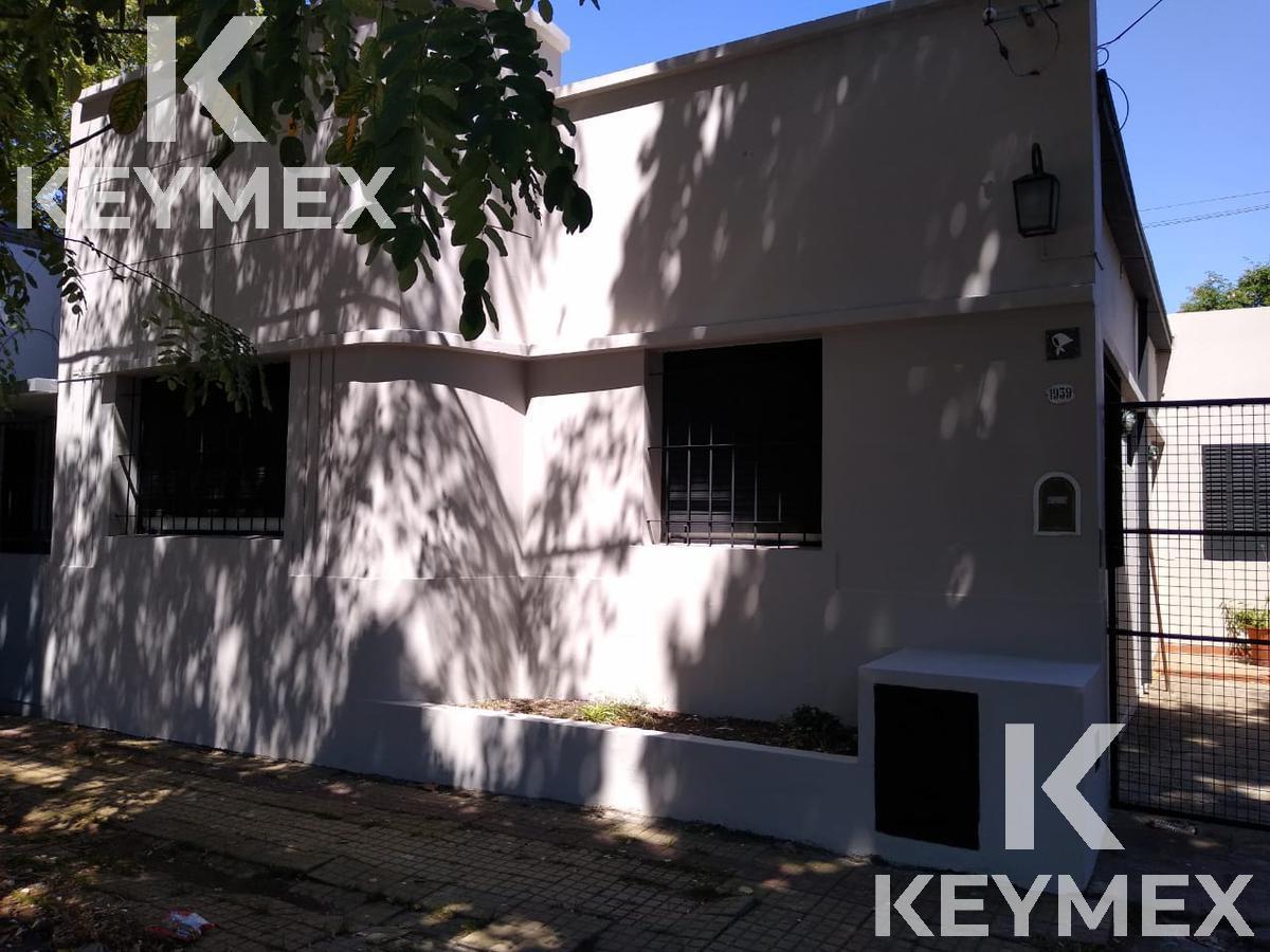Foto Casa en Venta en  La Plata,  La Plata  EXCELENTE OPORTUNIDAD 6 71 y 72 tres dormitorios y parque