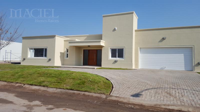 Foto Casa en Venta en  Fincas del sur 2,  Cordoba Capital  Bº FINCAS DEL SUR 2 - DE CATEGORIA Y DISEÑO - 4 DORM, EQUIPADA  FULL!!!