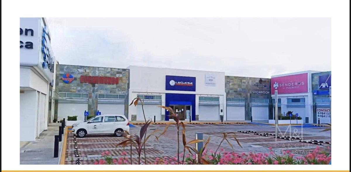 Foto Local en Renta en  Playa del Carmen,  Solidaridad  Local comercial 14  en renta, en Playa del Carmen, PLAZA PLAYA DEL CARMEN, de 75  m2