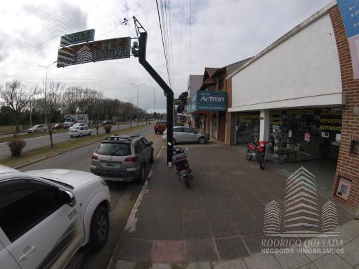 Foto Local en Venta en  Mar De Ajo ,  Costa Atlantica  Av. Libertador 1080