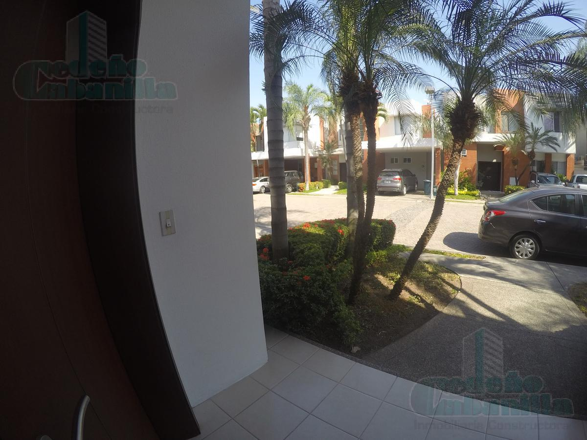 Foto Casa en Alquiler en  Samborondón,  Guayaquil  ALQUILER DE VILLA KM 2.5 VIA A SAMBORONDON