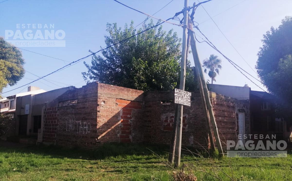 Foto Terreno en Venta en  La Plata ,  G.B.A. Zona Sur  120 y 84