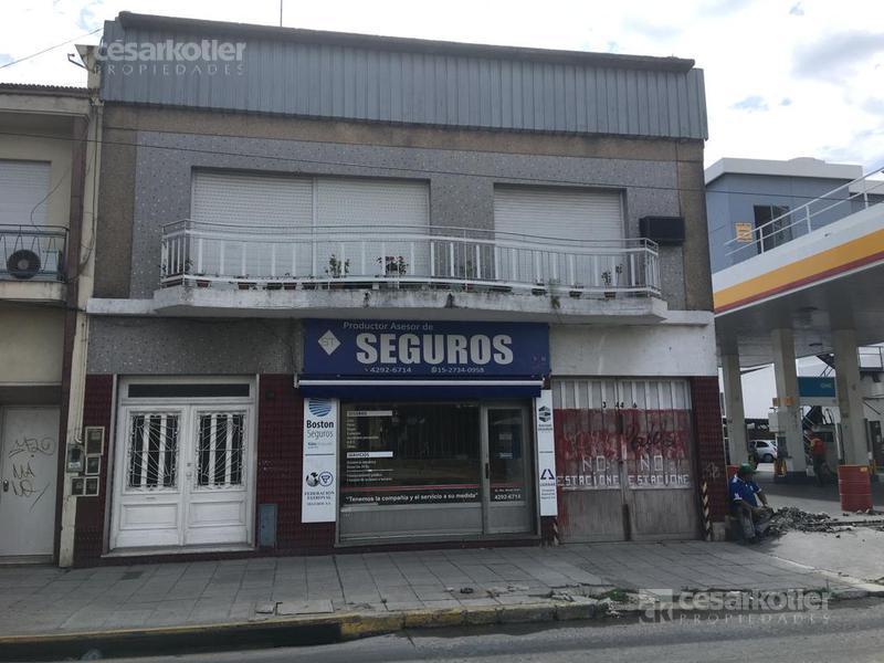 Foto Edificio Comercial en Venta en  Temperley Este,  Temperley  Alte. Brown 3442