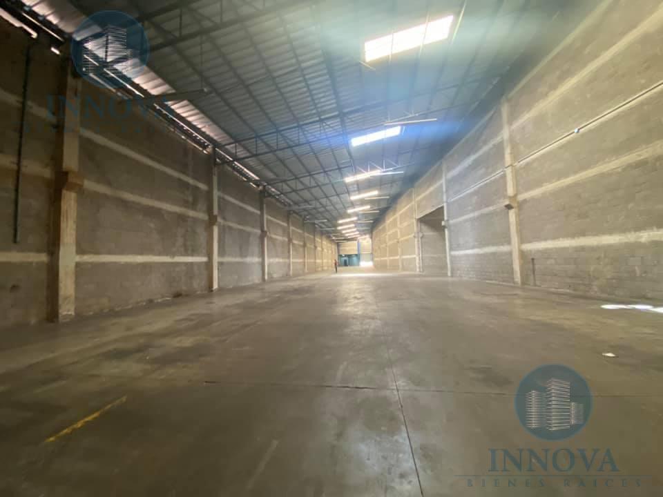 Foto Bodega Industrial en Renta en  Anillo Periferico,  Tegucigalpa  Bodega Comercial En Renta Frente Anillo Periférico  Altura Trapiche Tegucigalpa
