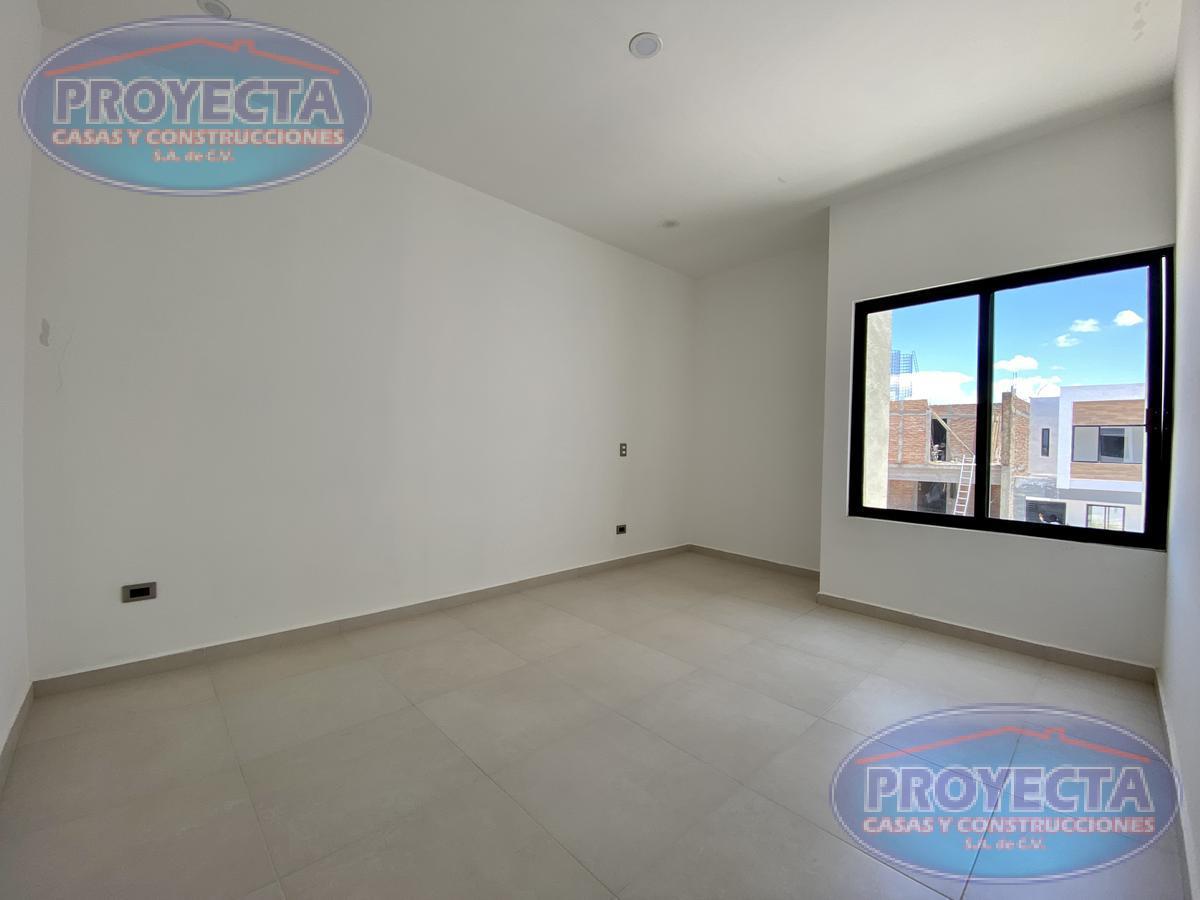 Foto Casa en Venta en  Lomas del Sahuatoba,  Durango  CASA EN FRACCIONAMIENTO PRIVADO CERCA DE ALBERCA 450