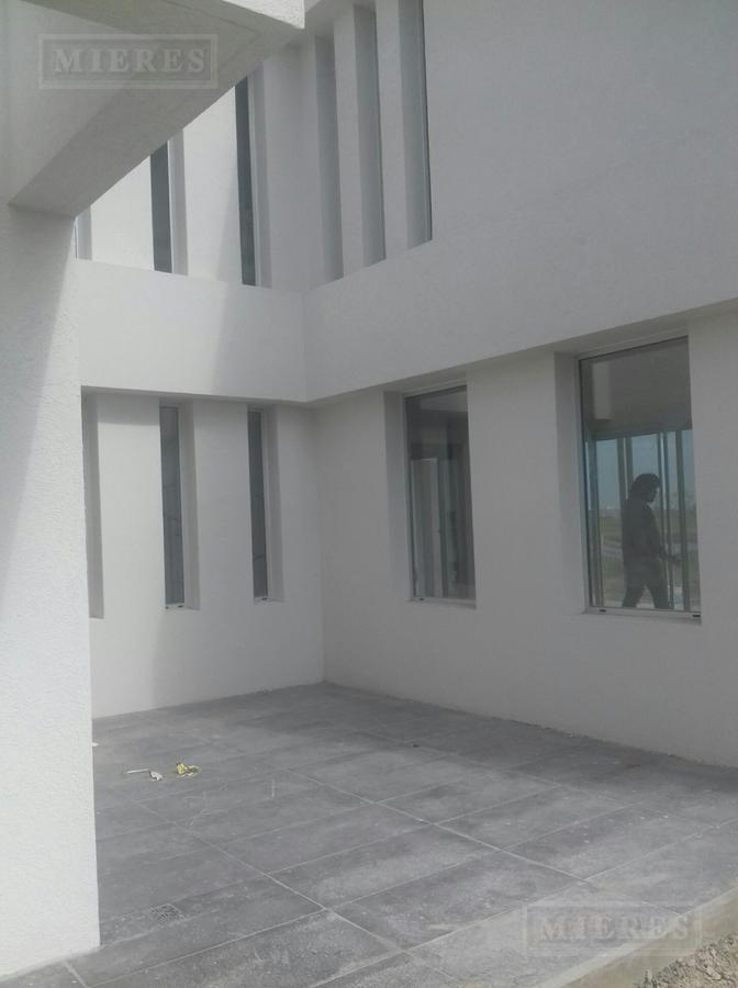 Casa en venta en  Barrio Muelles  financiada