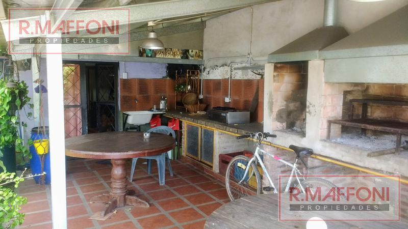 Foto Casa en Venta en  Adrogue,  Almirante Brown  Italia al 900