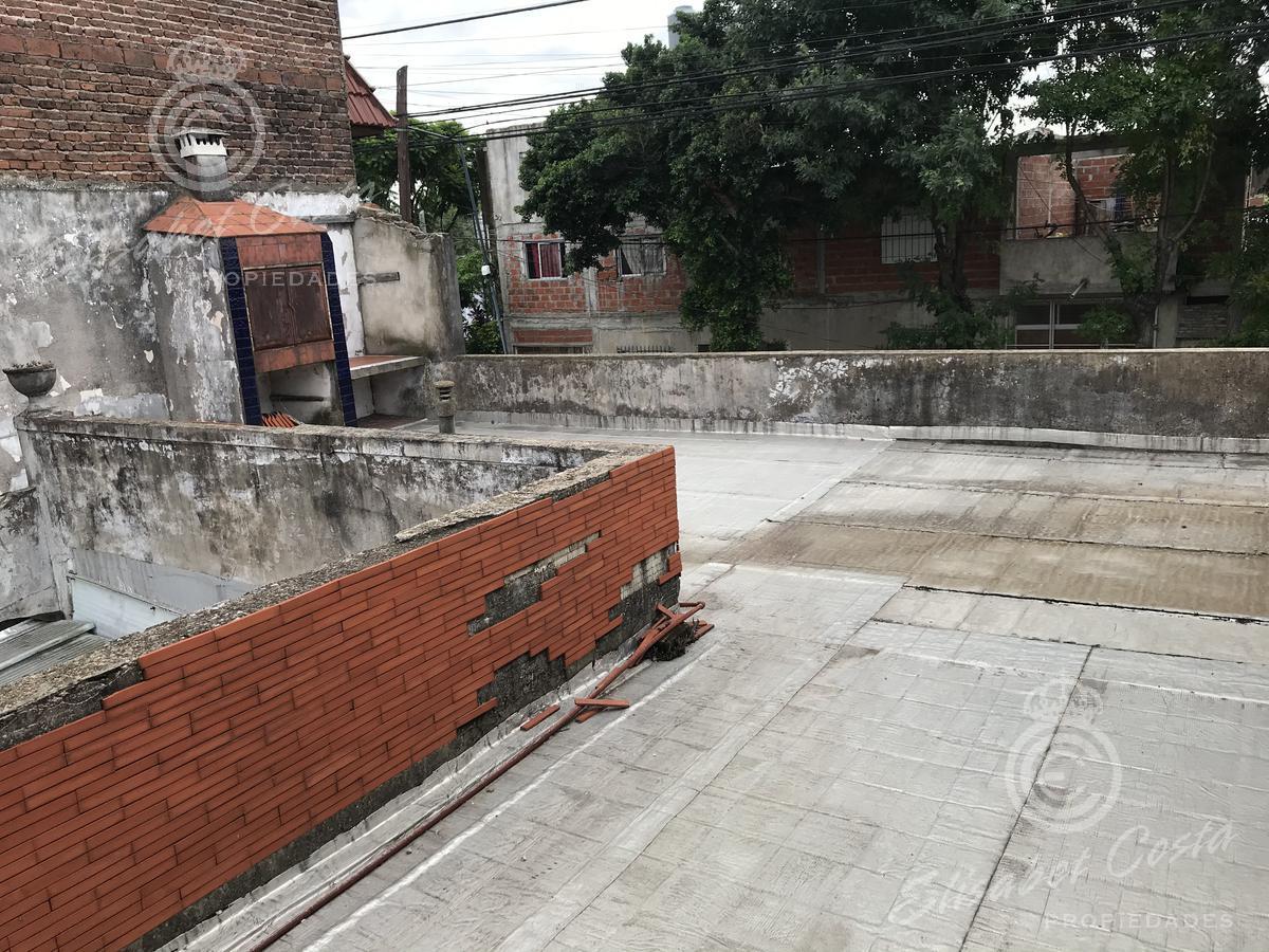Foto Casa en Venta en  Lanús Este,  Lanús  Blanco Encalada al 800