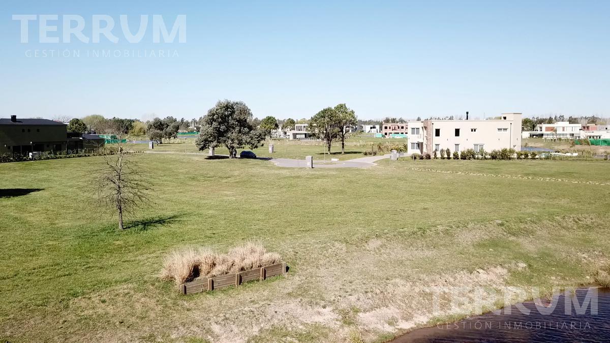 Foto Terreno en Venta en  Terralagos,  Countries/B.Cerrado (Ezeiza)          LOTE EN VENTA : CANNING :: TERRALAGOS
