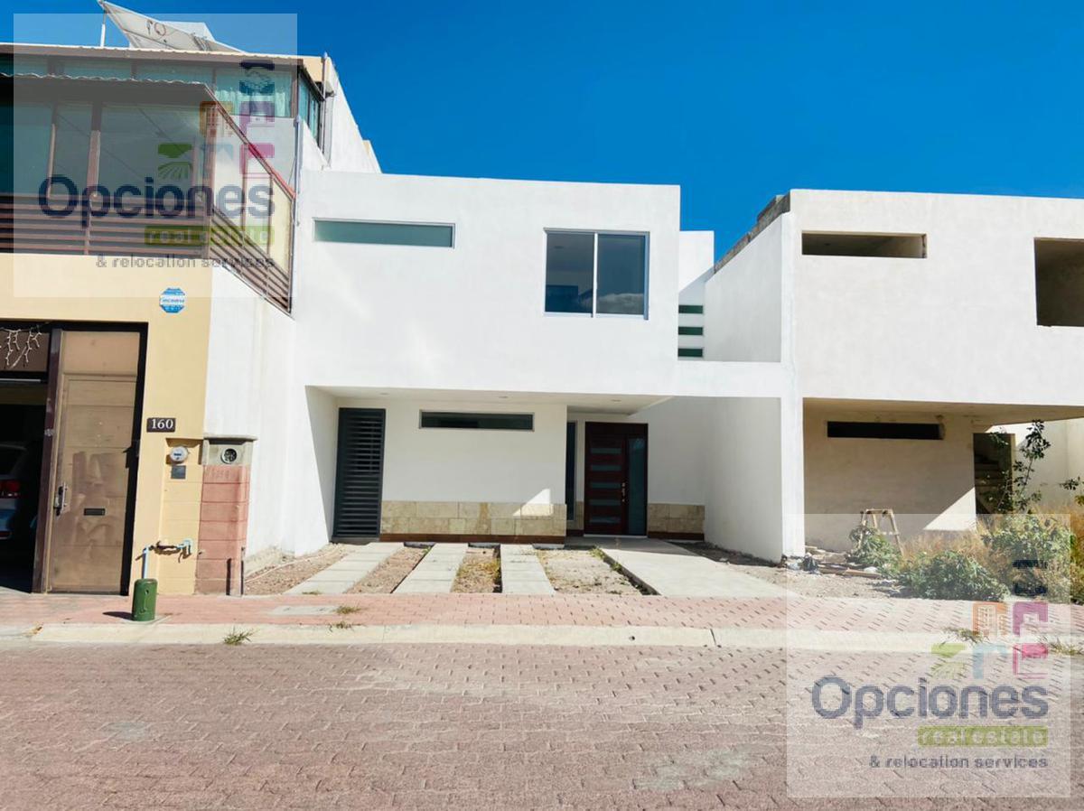 Foto Casa en condominio en Venta en  Salamanca ,  Guanajuato  Residencial Las Glorias