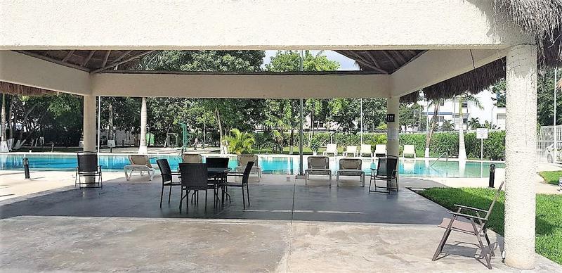 Foto Casa en condominio en Renta en  Ciudad de Cancún,  Cancún          RENTA DEPA AMUEBLADO A 2 MINUTOS DE GRAN PLAZA 10 DE LA ENTRADA AL MAR!!