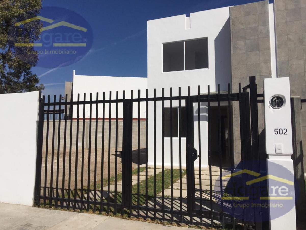 Casa en Renta ideal para oficinas o Casa Habitación en esquina, Héroes de León, Zona Sur de León Gto.