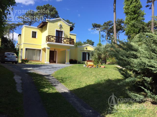 Foto Casa en Alquiler temporario en  Cantegril,  Punta del Este          ZONA CANTEGRIL    calle Mar de Coral y Tenerife