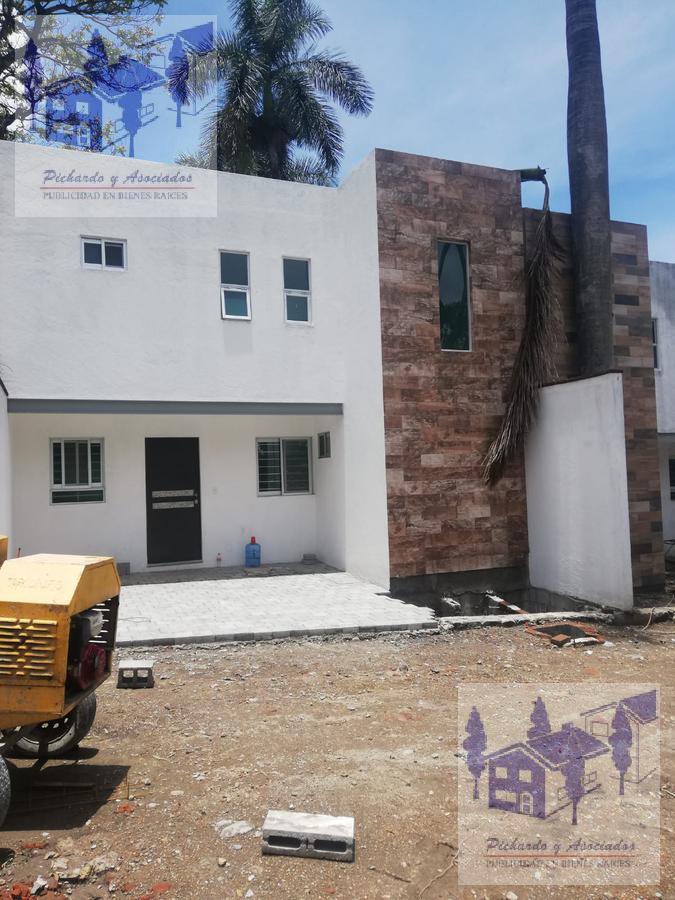 Foto Casa en Venta en  Miraval,  Cuernavaca  Colonia Miraval