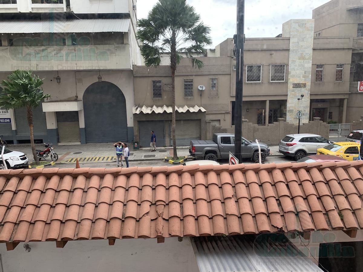Foto Oficina en Venta en  Centro de Guayaquil,  Guayaquil  VENTA DE VILLA COMERCIAL CALLE LOS RIOS Y 9 DE OCTUBRE
