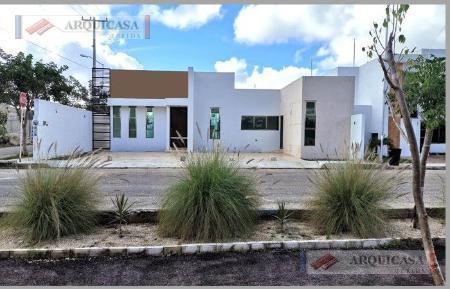 Foto Casa en Venta en  San Diego Cutz,  Conkal  CASA DE 1 PLANTA EN ESQUINA!