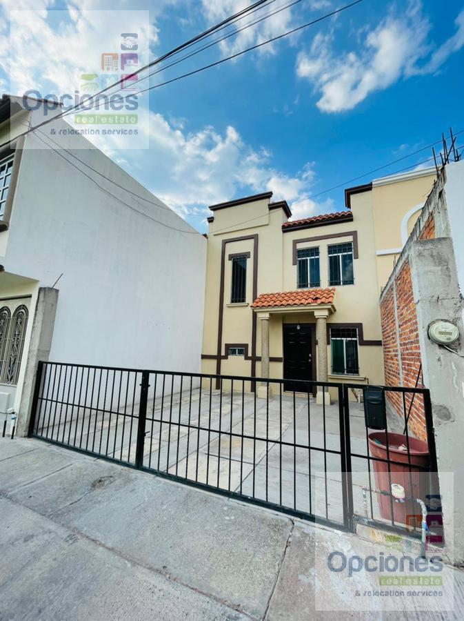 Foto Casa en Renta en  Fraccionamiento El Perul,  Salamanca  El Perul 2