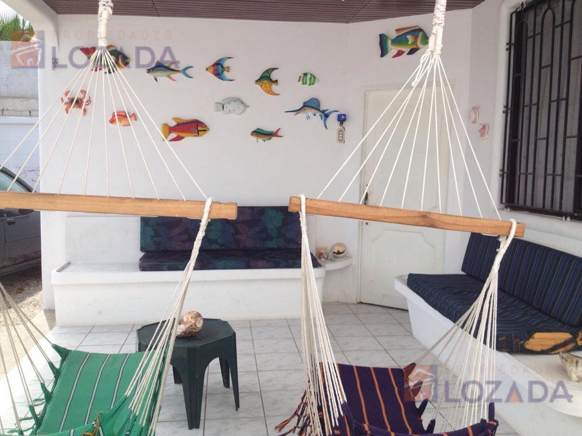 Foto Casa en Venta en  Salinas ,  Santa Elena  Vendo casa Salinas sector Supermaxi $95.000