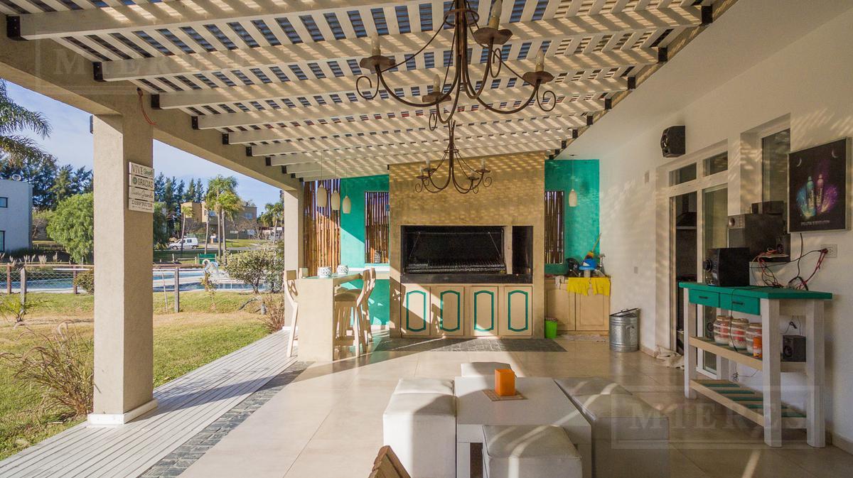 Casa  a La Laguna en Barrancas de Santa Maria