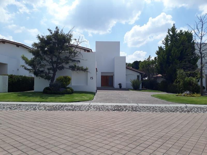 Foto Casa en Venta en  Fraccionamiento El Campanario,  Querétaro  Residencia en Venta el Campanario Con Vista al Area Verde.