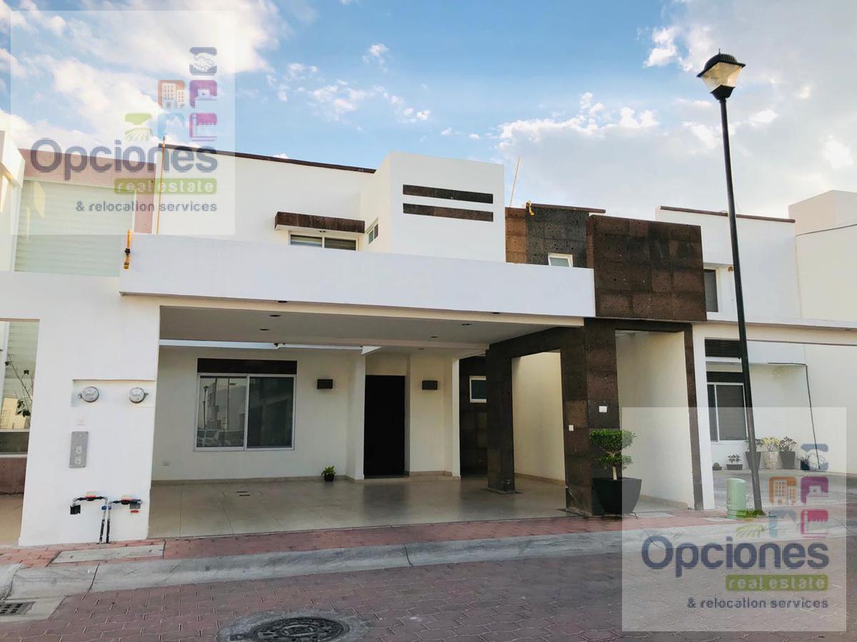 Foto Casa en condominio en Venta en  Salamanca ,  Guanajuato  Residencial Las Glorias casa Calya con cochera