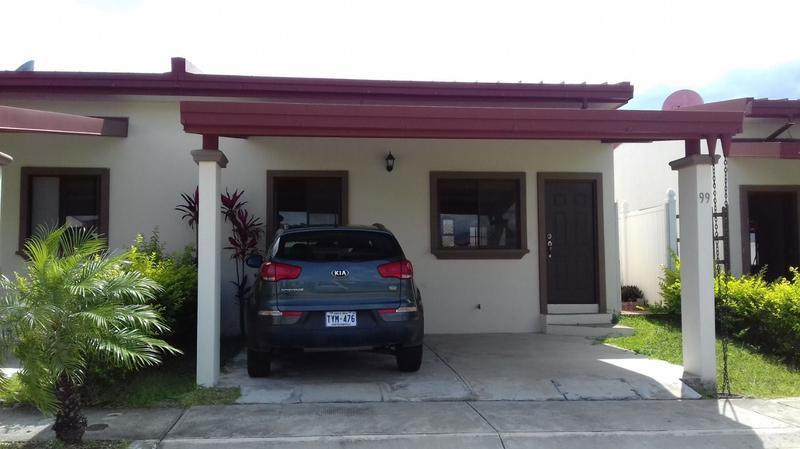 Foto Casa en condominio en Venta |  en  Guacima,  Alajuela  Oportunidad!! Condominio con Piscina