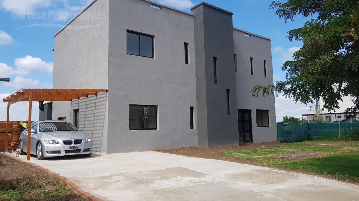 Foto Casa en Venta en  El Canton - Norte,  Countries/B.Cerrado  El Canton, Norte lote a la LAGUNA