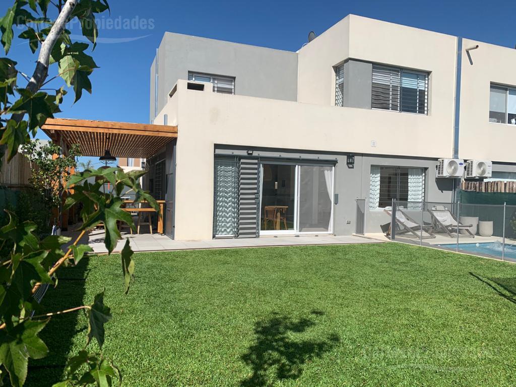 Foto Casa en Venta |  en  Dique Lujan,  Tigre  Casas de Santa Maria