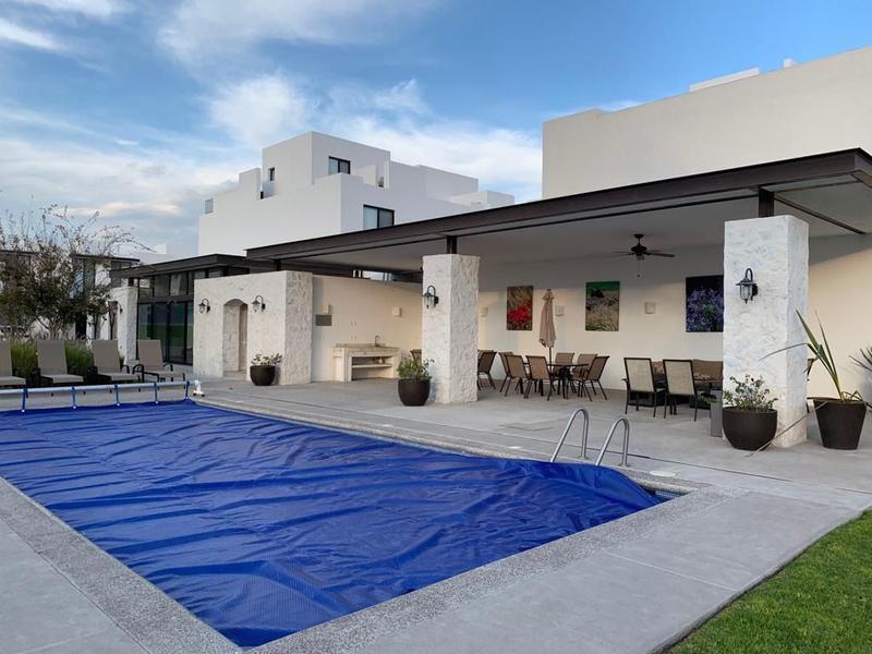 Foto Casa en Renta en  Fraccionamiento Punta Juriquilla,  Querétaro  CASA EN RENTA EN JURIQUILLA, DENTRO DE PRIVADA CON ALBERCA