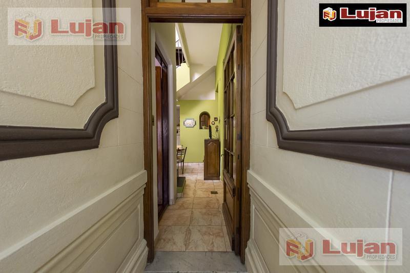 Foto Casa en Venta en  Floresta ,  Capital Federal  Juan Francisco Olmos al 100, a metros de Carrasco, floresta norte, casa 4 ambientes luminosa, con terraza, impecable, lista para habitar.