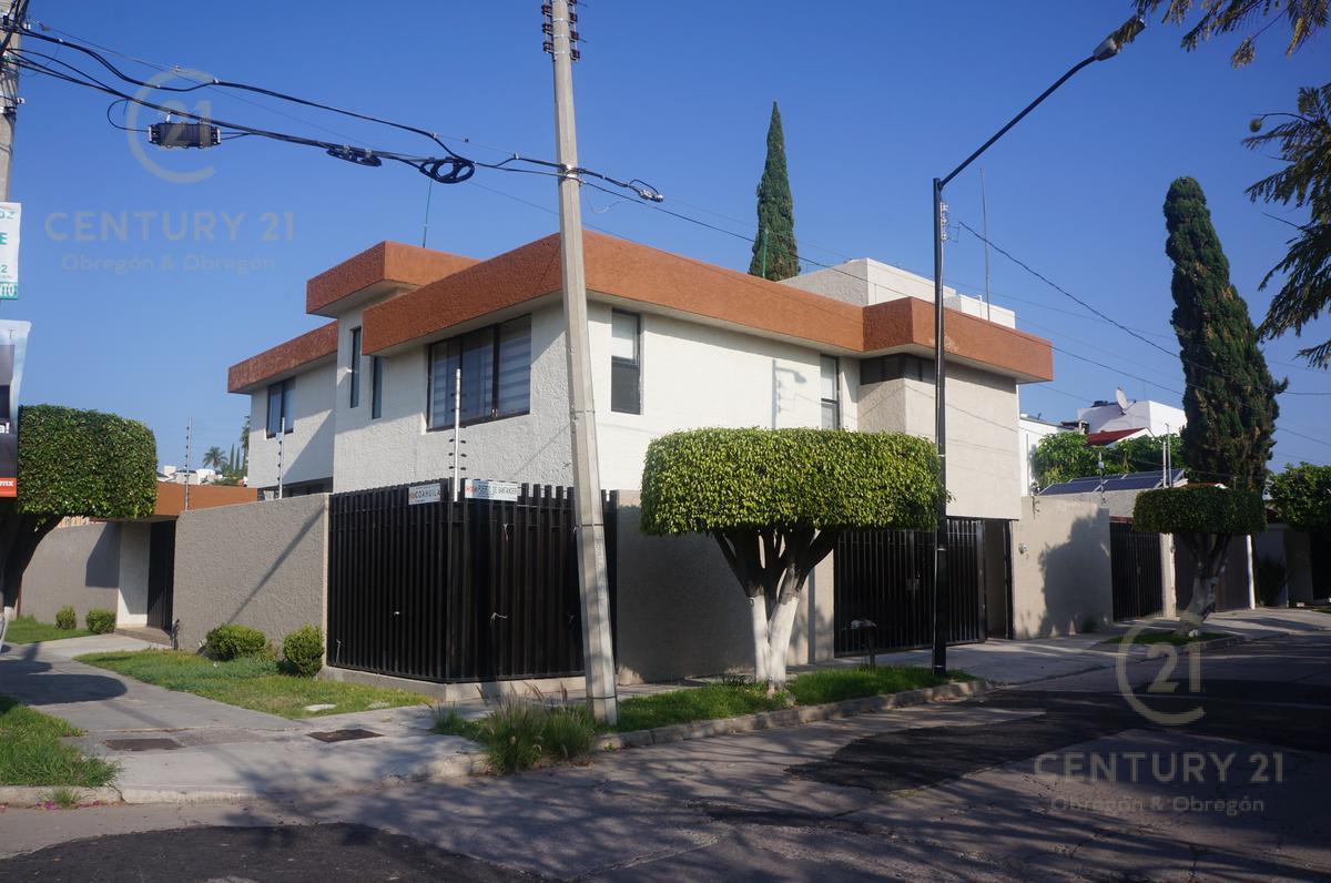 Foto Casa en Venta en  Arbide,  León  Arbide