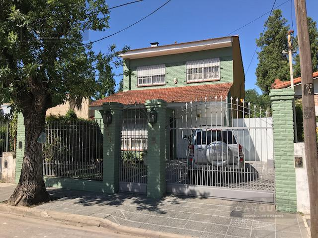 Foto Casa en Venta en  Adrogue,  Almirante Brown  somellera 208