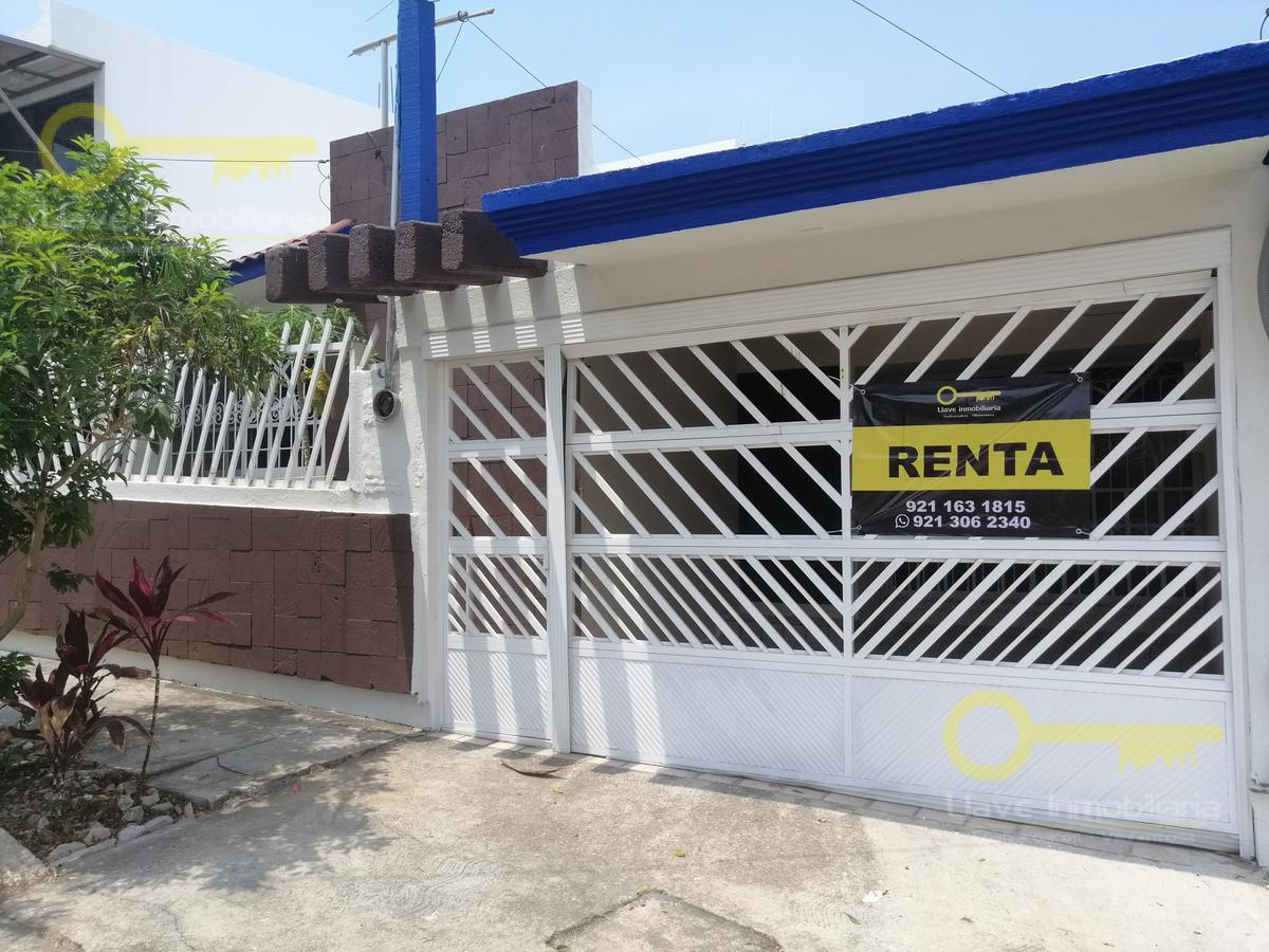 Foto Casa en Renta en  Petrolera,  Coatzacoalcos  Casa en Renta, Michoacán, Col. Petrolera