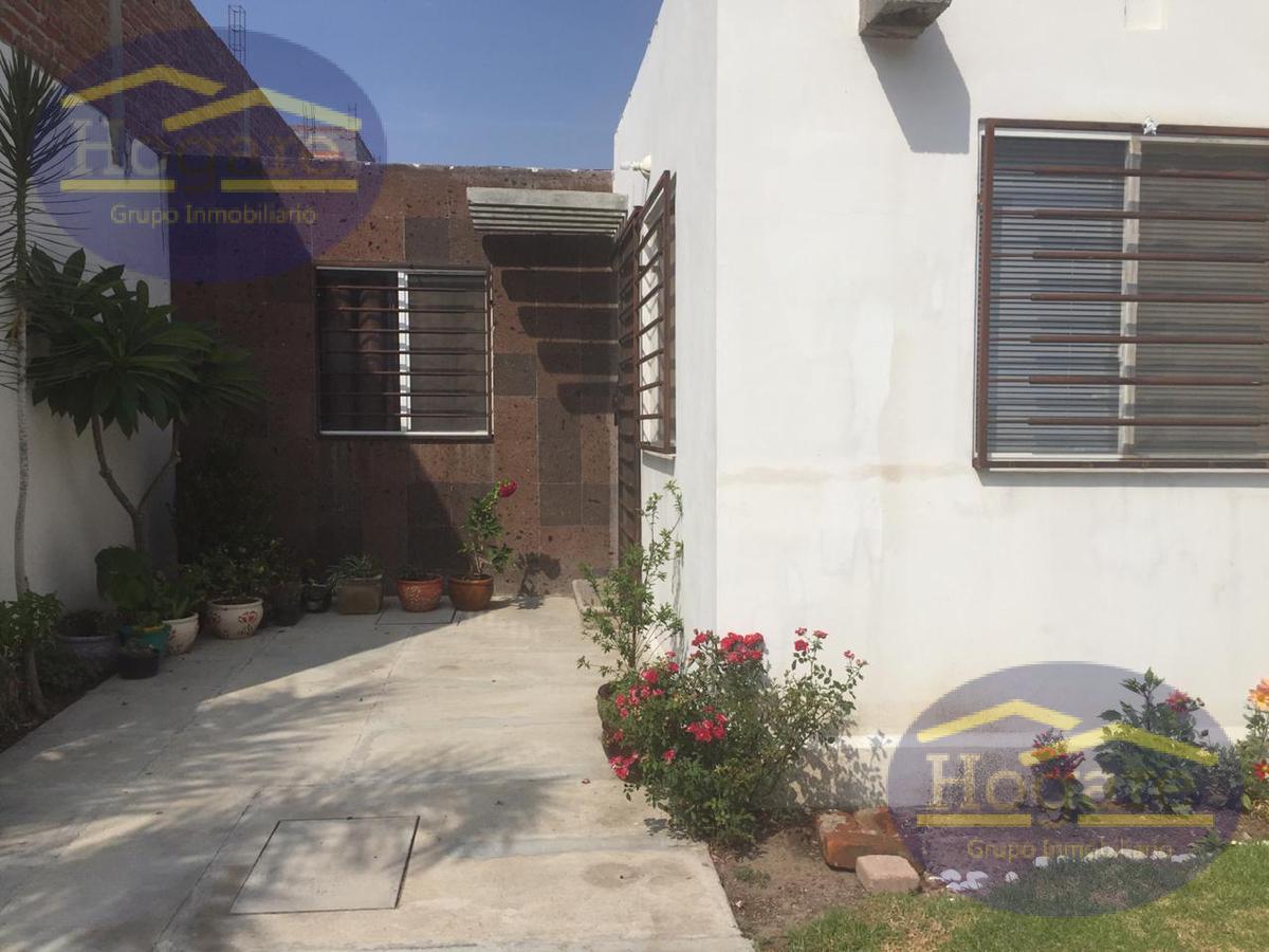 Casa de Un piso en Hacienda Viñedos en León, Gt