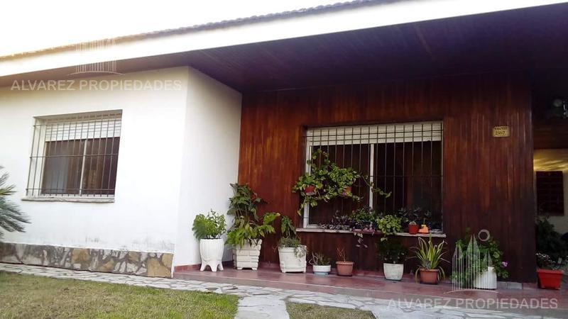 Foto Casa en Venta en  Don Torcuato,  Tigre  Santos al 2400