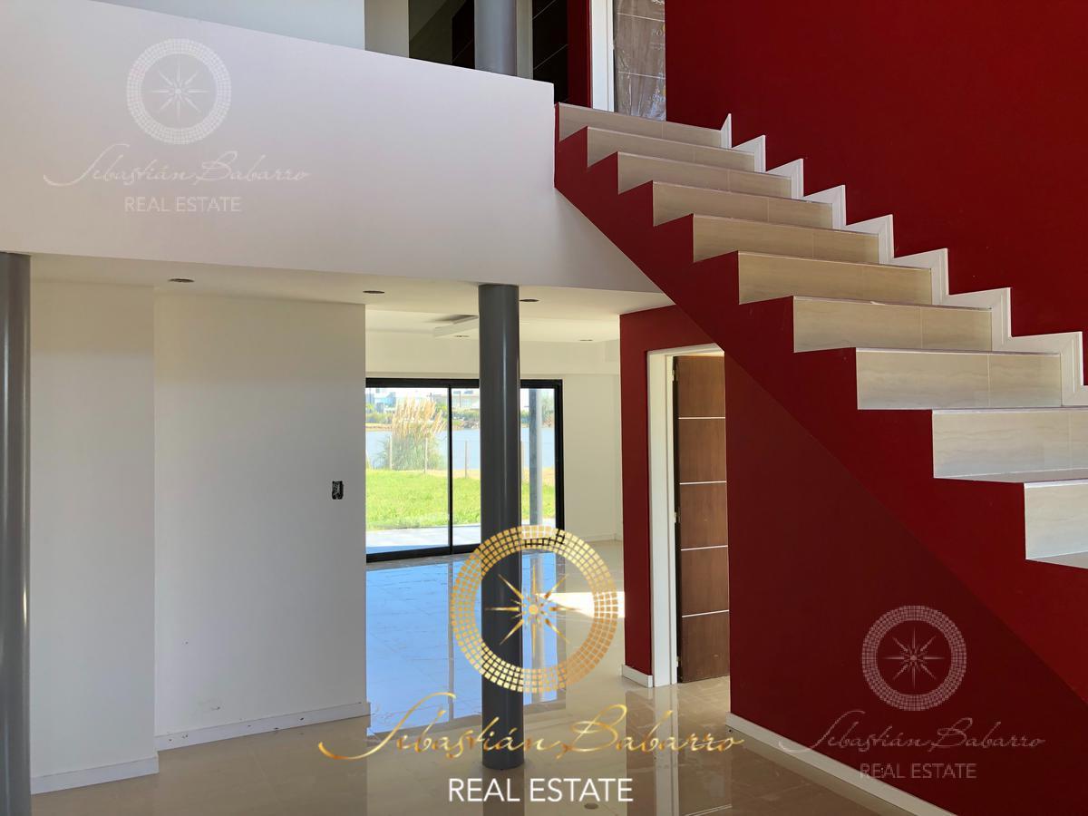 Foto Casa en Venta en  Country Santa Rita,  Countries/B.Cerrado  Barrio Santa Rita