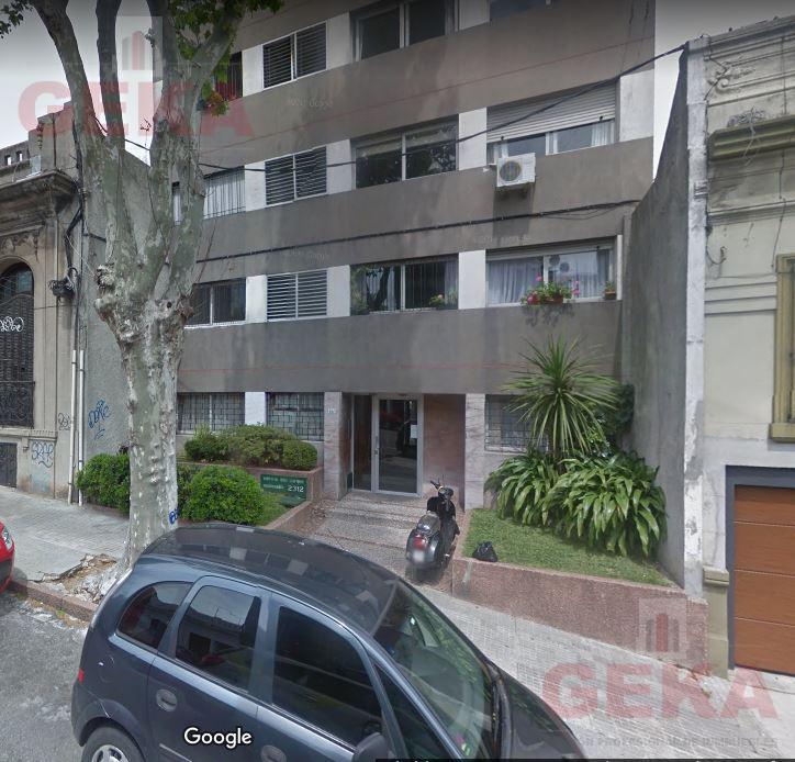 Foto Apartamento en Alquiler en  Parque Rodó ,  Montevideo  Maldonado al 2300