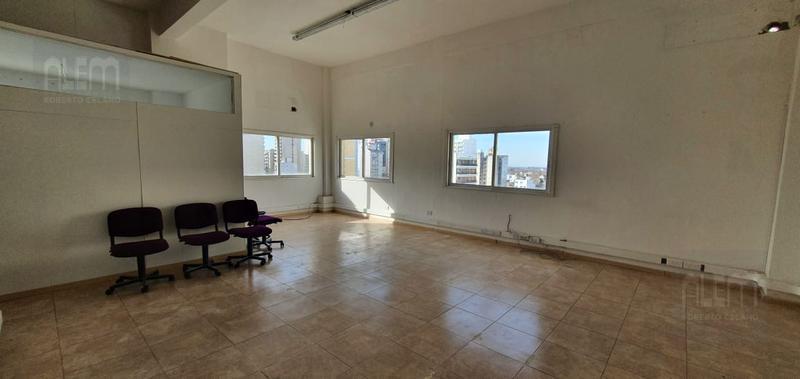 Foto Oficina en Alquiler en  Lomas de Zamora Oeste,  Lomas De Zamora  Acevedo 83