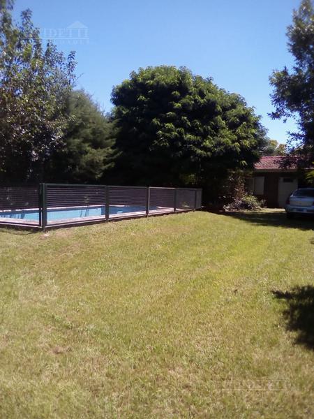 Foto Quinta en Venta en  Centro Agricola El Pato,  Berazategui  Calle 522 al 2300, El Pato