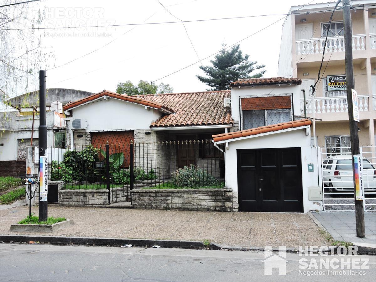 Foto Casa en Venta en  Moron Sur,  Moron  San Martin al 900