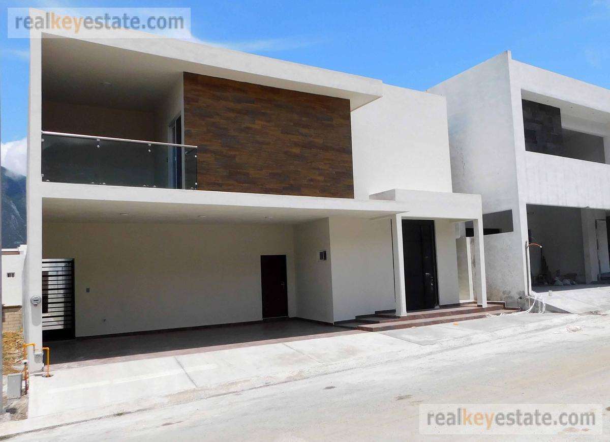 Foto Casa en Venta en  Lagos del Vergel,  Monterrey  Casa en Venta en Portal  de Valle Alto, Monterrey, N.L.