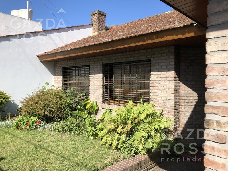 Foto Casa en Venta en  Lomas De Zamora,  Lomas De Zamora  Fonda al 500