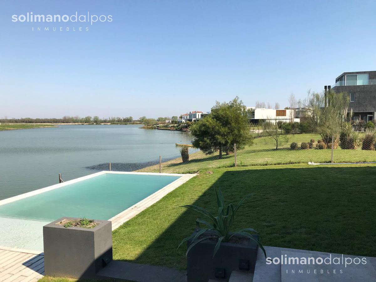 Foto Casa en Venta | Alquiler | Alquiler temporario en  El Golf,  Nordelta  Lagos del Golf al 100