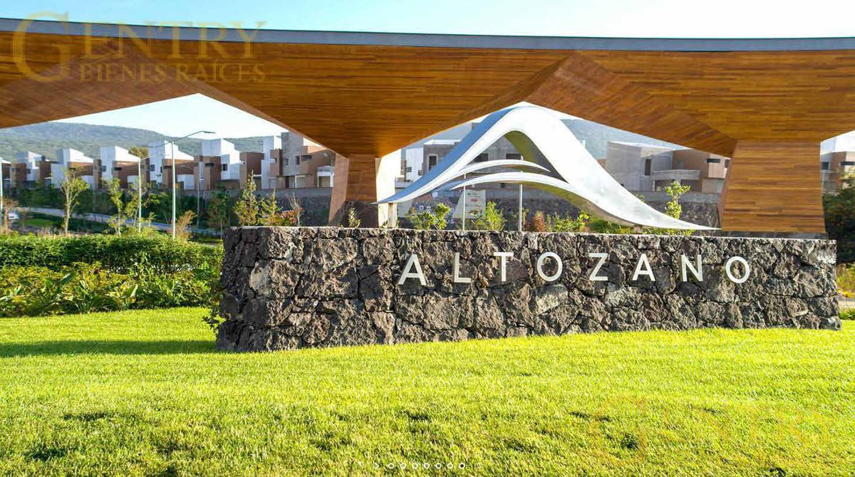 Foto Casa en condominio en Venta en  Altozano el Nuevo Queretaro,  Querétaro  Exlusivas Residencias Altozano