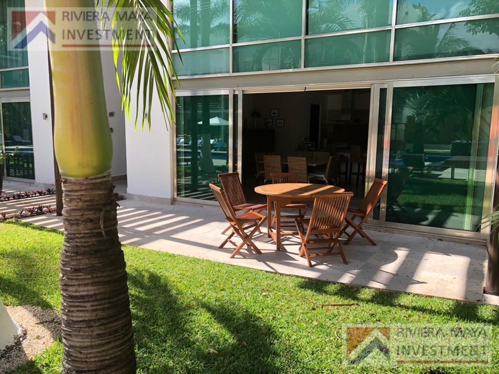 Foto Casa en condominio en Venta |  en  Solidaridad,  Playa del Carmen  CALLE 38 CON 5TA AVENIDA