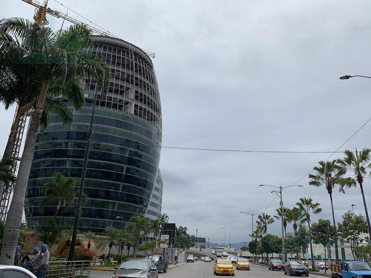 Foto Oficina en Venta en  Norte de Guayaquil,  Guayaquil  VENTA DE OFICINA BUSINESS CENTER  CIUDAD DEL SOL