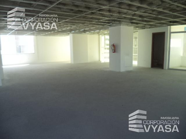 Foto Oficina en Alquiler en  Centro Norte,  Quito  BATÁN - 6 DE DICIEMBRE, OFICINA DE RENTA 350M2